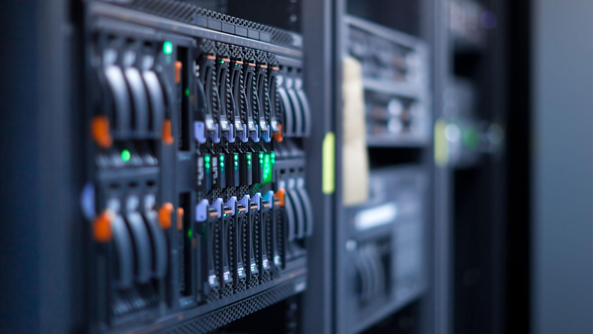 hébergement, services informatiques, serveurs, données, bases de données, sites Internet, noms de domaine, courriels, WordPress, hébergement sur mesure